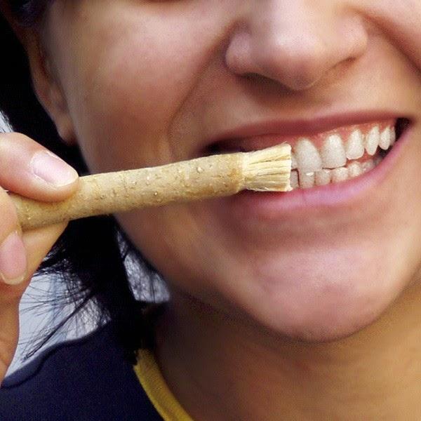 Аюрведическая зубная паста «Meswak» Dabur 100гр